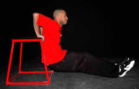 exercitii-izometrice-scaun